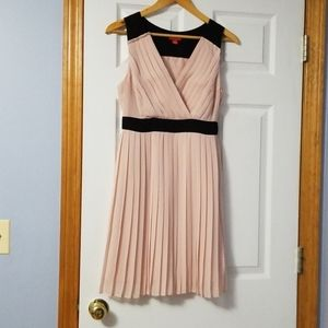 Elle pleated dress size 4, NWOT